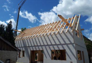 Construction maison avec charpente en bois